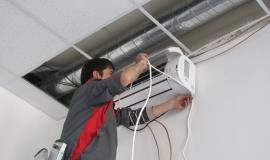 Монтаж внутреннего блока - подключение управляющего кабеля